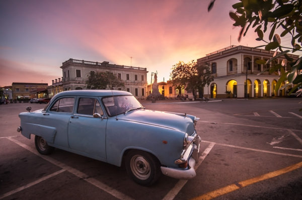 Viva Cuba Libre, André Alessio, Graphylight, Remedios, Sunset, Old, Car